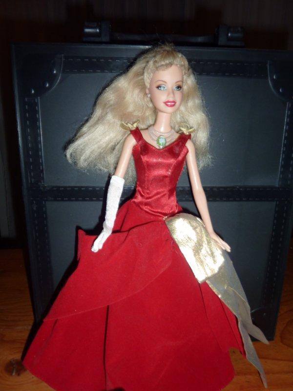Mattel barbie et la magie de no l barbie cathie et - Barbie la magie de noel ...