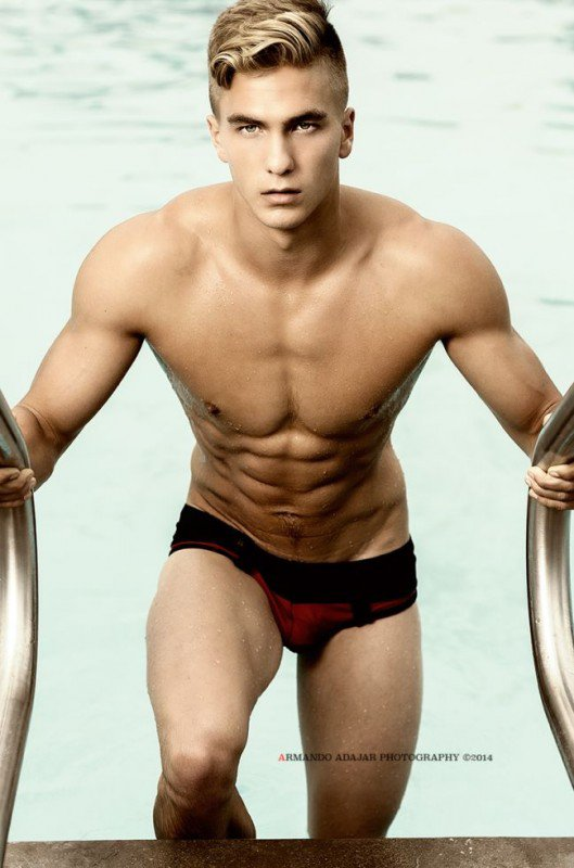 Stewart Ray pour Marcuse, Timot�o et M8Mate !