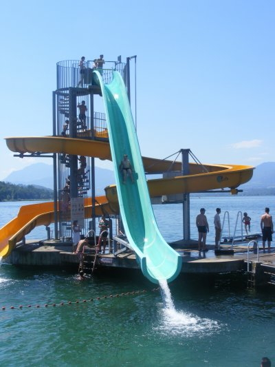 Le grand toboggan du lac du bourget skyblog chantal26 for Camping le bourget du lac avec piscine
