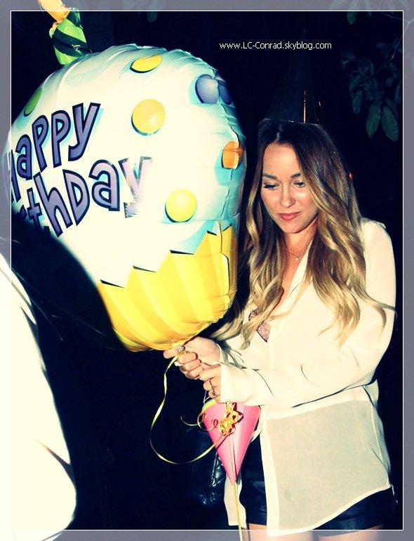 Aujourd'hui est un jour spécial, Lauren fête ses 27 ans !
