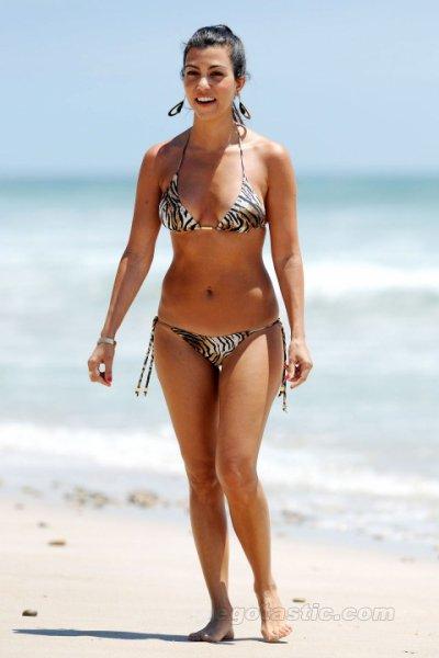 Gina Bellman Bikini 28