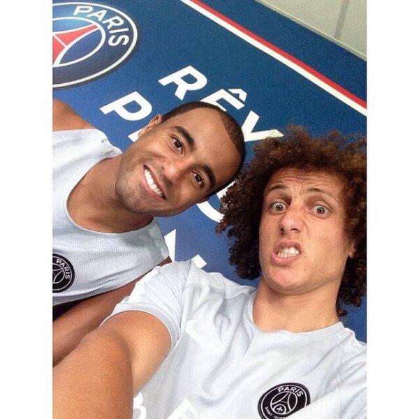 Lucas Moura Foot: David Luiz, Thiago Silva, Lucas Moura, Maxwell Et