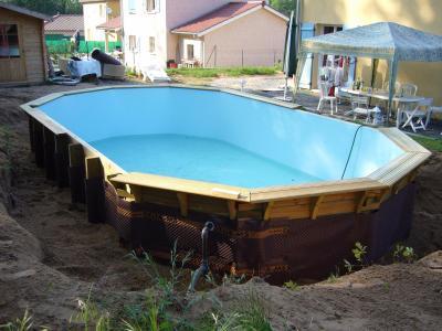 Remplissage et remblais construction d 39 une piscine bois for Remplissage automatique piscine
