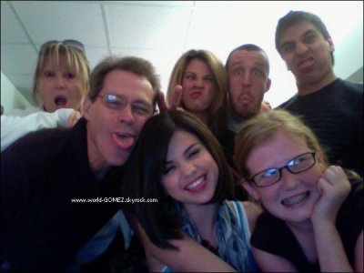 Selena est sa vrais famille selena gomez demi lovato - Selena gomez et sa famille ...