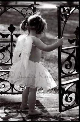 Quand on est aim� on ne doute de rien, mais quand on aime on doute de tout. ♥