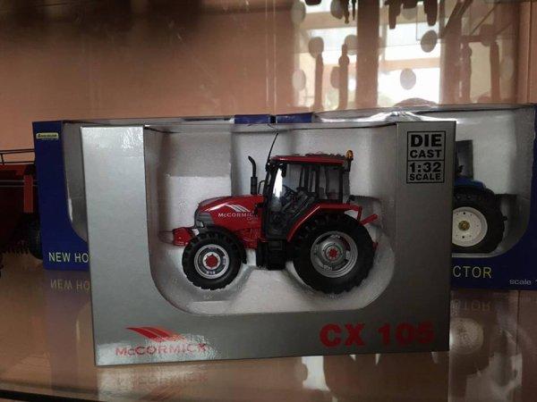 a vendre : Mc Cormick CX 105  (15 euros)