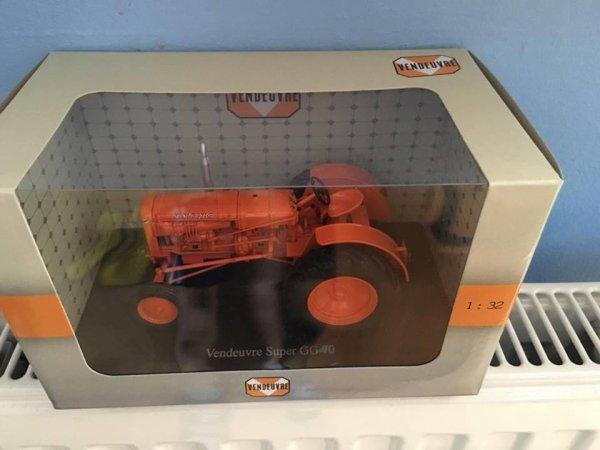 a vendre : tracteur vendeuvre super GG70  (20 euros)  VENDU