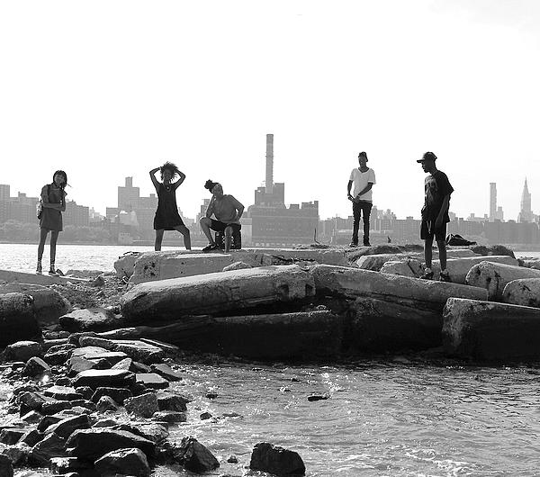 � Nouveaut�.  Willow � New-York avec des amis.  // Mai 2013