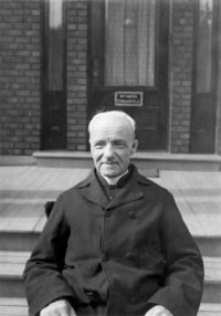 Frère André canonisé !