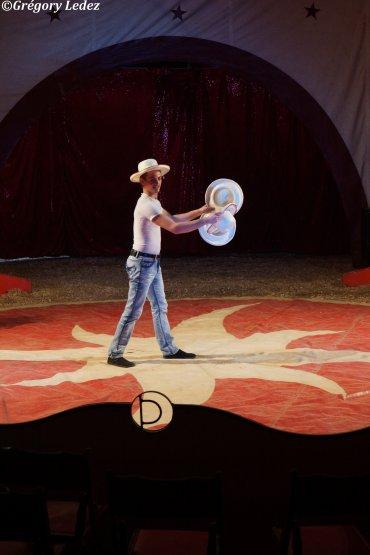 Suite du reportage sur le cirque achille zavatta saint martin boulogne 2015 cirque pinder62 - Le roi du matelas saint martin boulogne ...