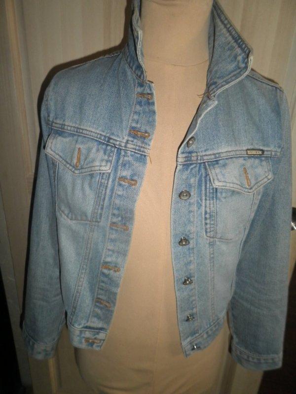 personnalisation sur veste en jean