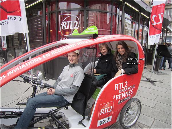 .  08/02  Laury était à Cycloville, à Rennes, à bord de l'un des vélo-taxi avec la radio RTL2.  .