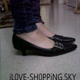 Chaussure noir a petit talon 1