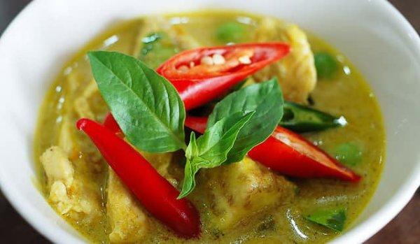 Recette thaïlandaise du Poulet Au Curry Vert