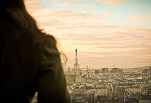 """""""Je préfère avoir connu...une seule bouffée de son parfum de ses cheveux, un seul baiser de ses lèvres, une seule caresse de sa main que toute une éternité sans elle, un seul instant..."""" [La cité des anges]"""