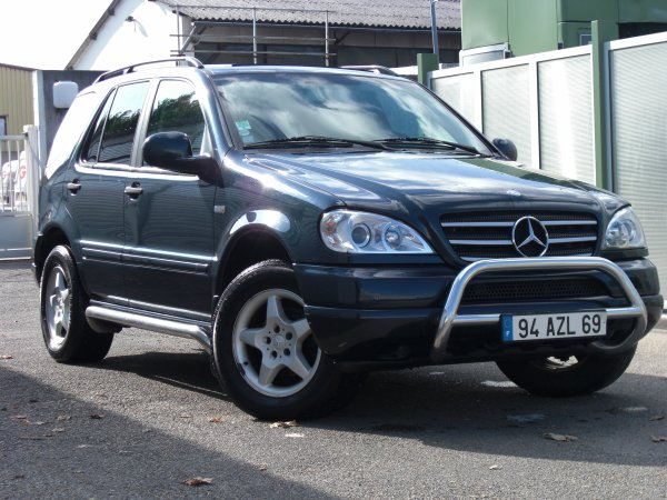 ml 270 cdi toute equipe an 2001 140000kms toit panoramique. Black Bedroom Furniture Sets. Home Design Ideas