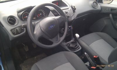 FORD FIEST 1.25L FINITION AMBIENTE AN 06/2009 30000KMS   (VENDU LE 12/09/2011)