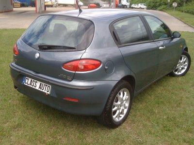 Alfa romeo 147 1.9l JTD 140cv AN 04/2004 distinctive 5 PORTES 150000KMS (VENDU LE 02/09/2011)