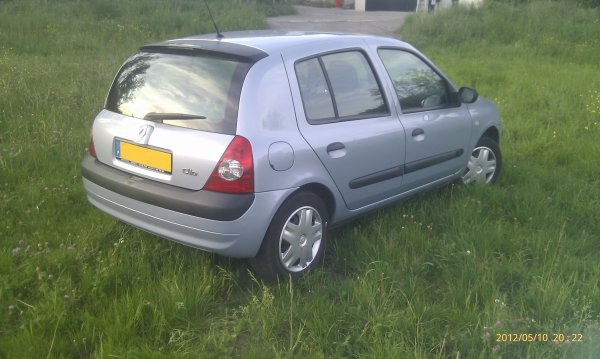 Renault Clio 1.5l dci du 04/2004 avec 100000kms clim (VENDU LE 06/06/2012)