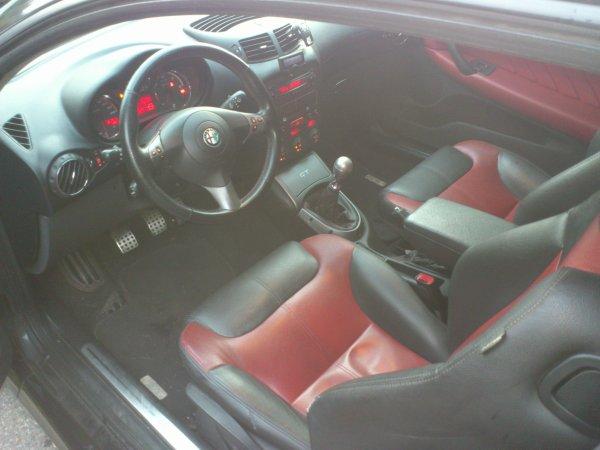 ALFA ROMEO GT 1.9L JTD 150CV VÉLOCE SÉLECTIVE 12/2007 130000KMS (VENDU LE 31/01/2013)