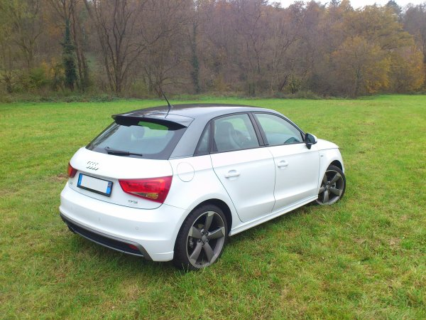 tres rare audi a1 sportback 1 4 tfsi 185cv bva s tronic 7 rapport s line an 05 2012 6500kms. Black Bedroom Furniture Sets. Home Design Ideas
