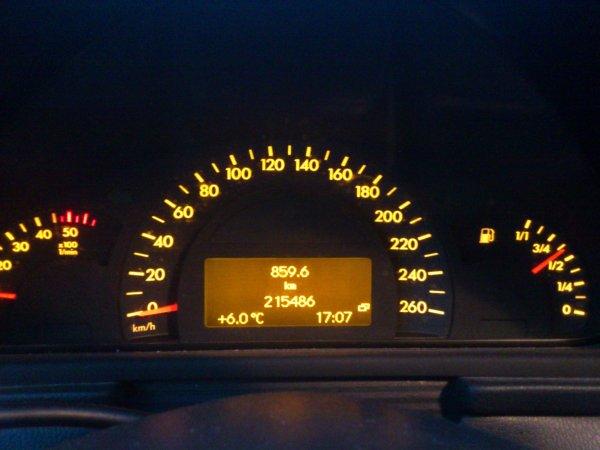MERCEDES CLASSE C 200 CDI 2l 140cv ÉLÉGANCE CUIR  AN 11/2000 215000kms RÉVISÉE (VENDU LE 29/12/2012)