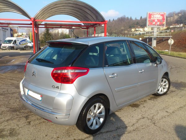 citroen c4 picasso 1 6l hdi exclusive pack cuir an 05 2009 bmp6 avec 209000kms vendu le 28 06. Black Bedroom Furniture Sets. Home Design Ideas