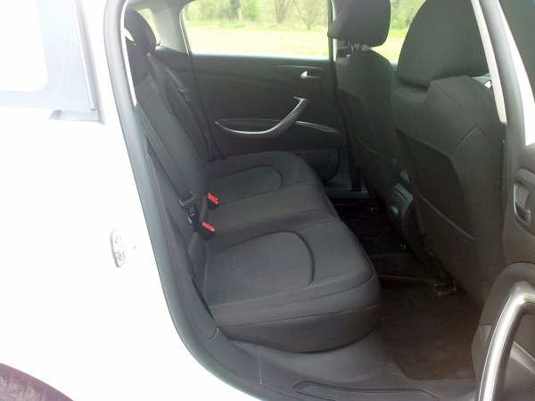 Citroën C5 1.6l hdi 110cv an 2011 170000kms D ORIGINE (VENDU LE 16/05/2013)