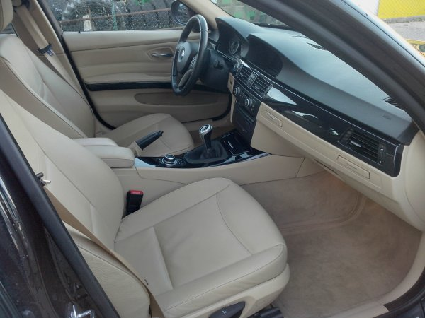 TRES BELLE Bmw 320D E90 phase II AN 2009 pack luxe 140000KMS (VENDU LE 14/03/2014)