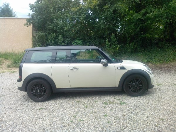 MINI CLUBMAN ONE D 1.6L 110CV AN 09/2011 25000KMS 1° MAIN (VENDU LE 18/10/2014)