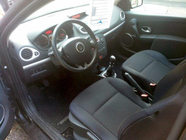 clio iii dci 105 dynamique 78000kms vendu le 10 12 2014 class auto 69. Black Bedroom Furniture Sets. Home Design Ideas