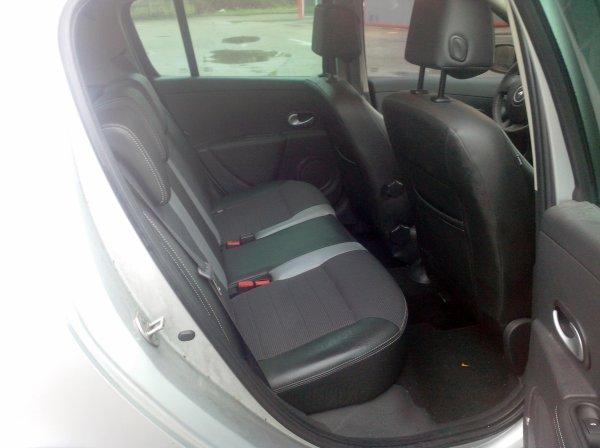 RENAULT CLIO III GT GPS TOMTOM 1.6L 128CV AN 02/2011 36000KM 1°MAIN (VENDU LE 13/02/2015 )