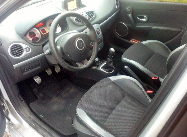 RENAULT CLIO III GT GPS TOMTOM 1.6L 128CV AN 02/2011 36000KM 1°MAIN (VENDU LE 13/02/2015)