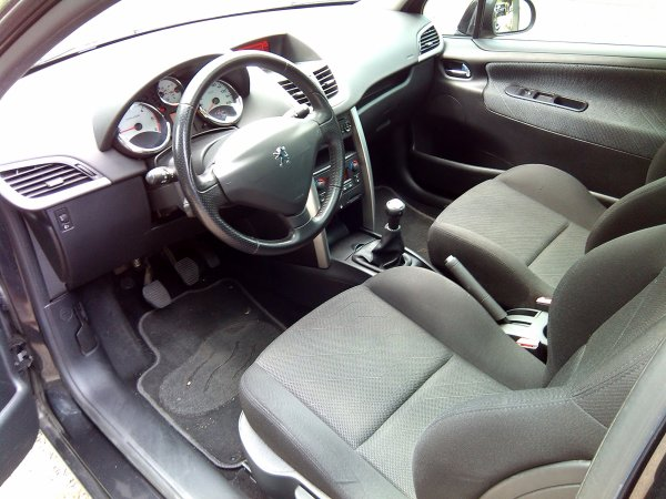 Peugeot 207 1.6l hdi sport pack 118000kms AN  12/2008 (VENDU LE 15/10/2015)
