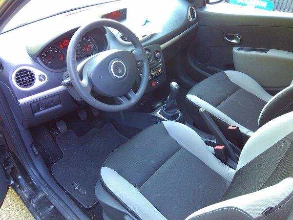 RENAULT CLIO III (2) ALIZEE AN 06/2012 1.2L 75CV AVEC 20800KMS (VENDU LE 10/10/2015)