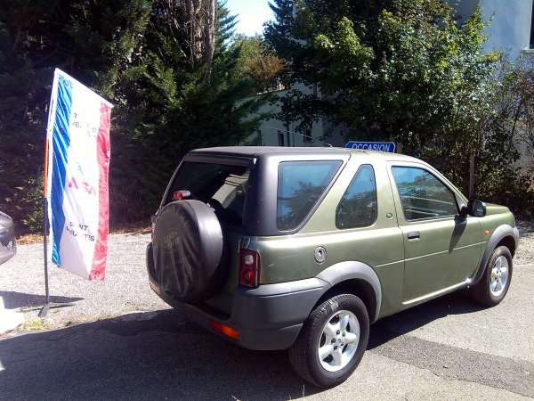 LAND ROVER FREELANDER 2L DI 98CV AN 07/2000 156000KMS (EN STOCK)