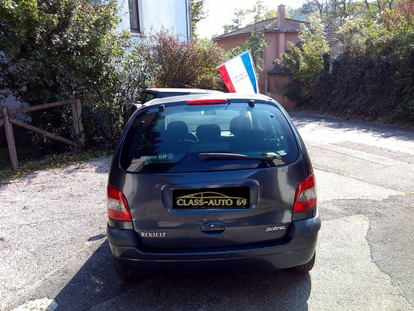 RENAULT SCENIC FAIRWAY 1.9L DCI 105CV AN 07/2002 206000KMS (LE 09/10/2015)