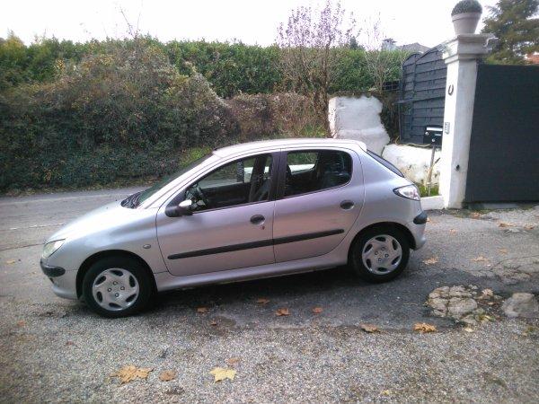 Peugeot 206 2l hdi 90cv 170000kms AN 02/2000 (VENDU LE 03/12/2015)