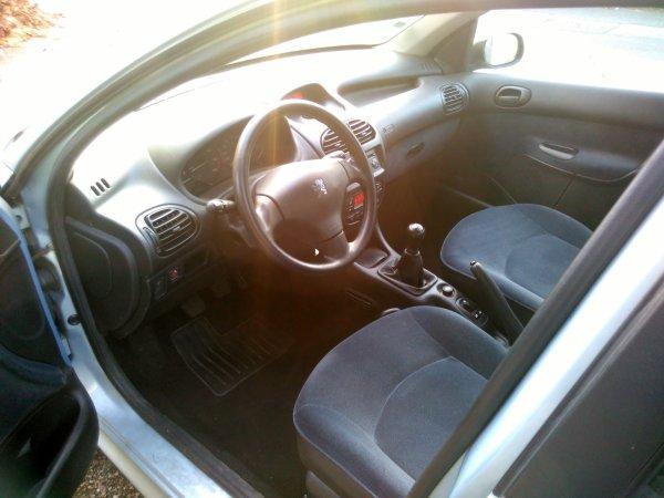 Peugeot 206 2l hdi 90cv 210000kms AN 01/2002 (VENDU LE 08/01/2016)