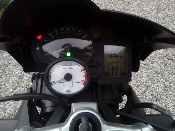 BMW F800 R AN 10/2014 AVEC 23000KMS 1ER MAIN SUPER ETAT GENERAL (EN STOCK)