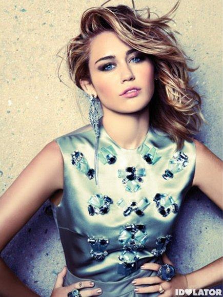 Nouvelles !! Et photo de ma motivation numéro un Miley Cyrus juste parfaite *__*