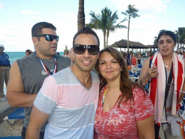 Moi et Howie à la beach party aux Bahamas