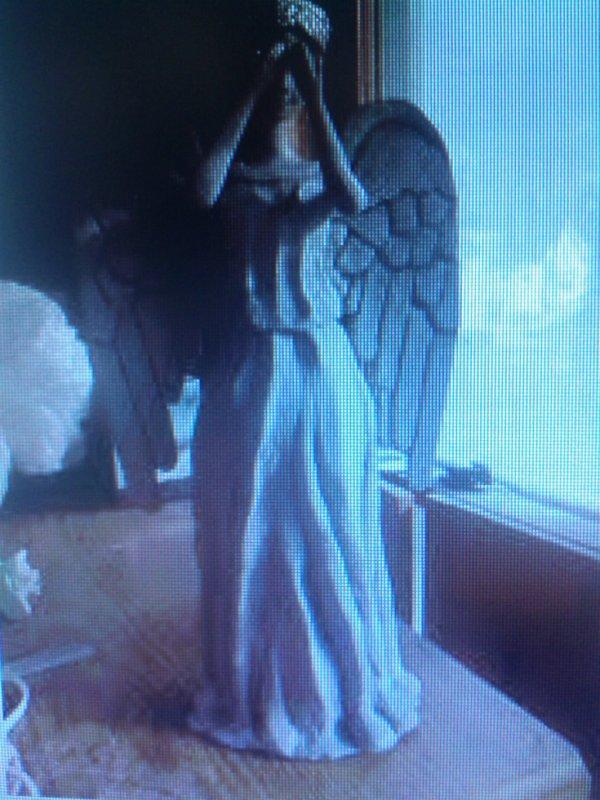 L'ange pleureur