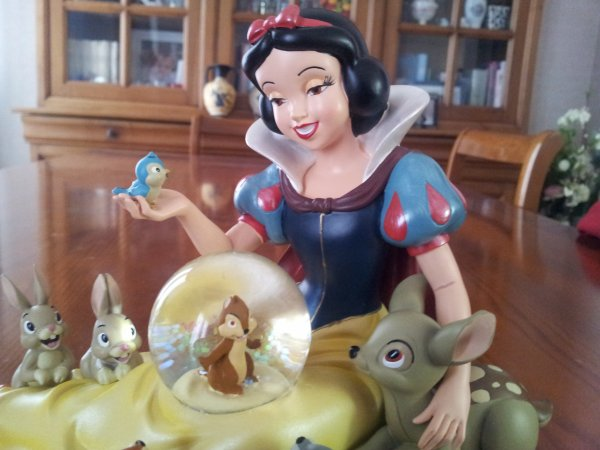 ~Snowglobe Blanche-neige (Disney store)