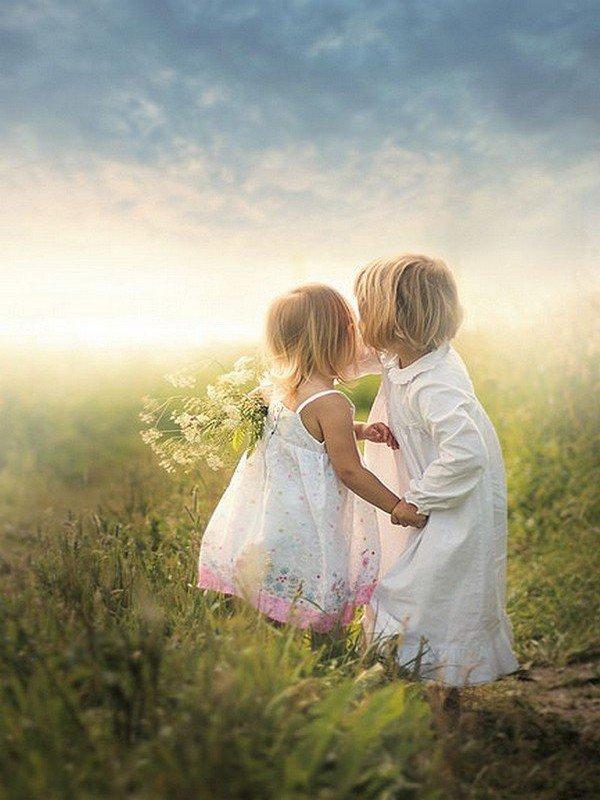 De tous les biens dont on peut jouir en ce monde, l'amitié est le plus doux