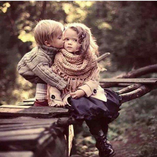 Quand on jette des petits rayons de bonheur dans la vie d'autrui, l'éclat finit toujours par rejaillir sur soi
