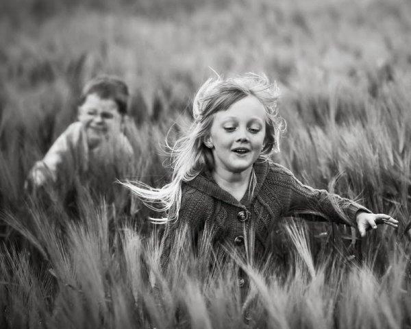 Il ne faut pas attendre d'être heureux pour sourire, il faut sourire pour être heureux