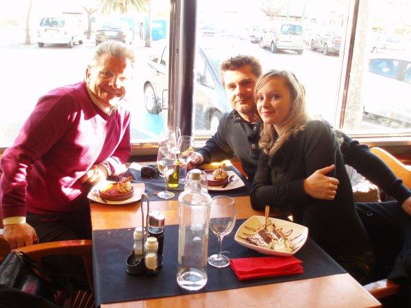 Repas en Espagne avec mont fils ma bel filla et moi hier2/12 / 13 a feta n mont championnat de France