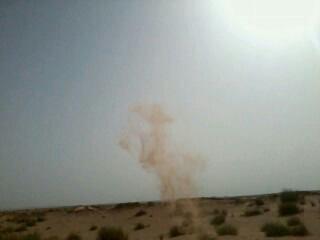 Mon lancé de sable dans le désert