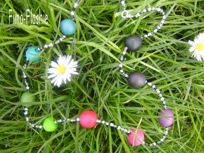 Collier multicolore fimo et perles de rocaille